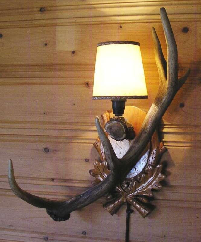 Sehr Dekorative Ltere Geweih Wandlampe Geweihlampe